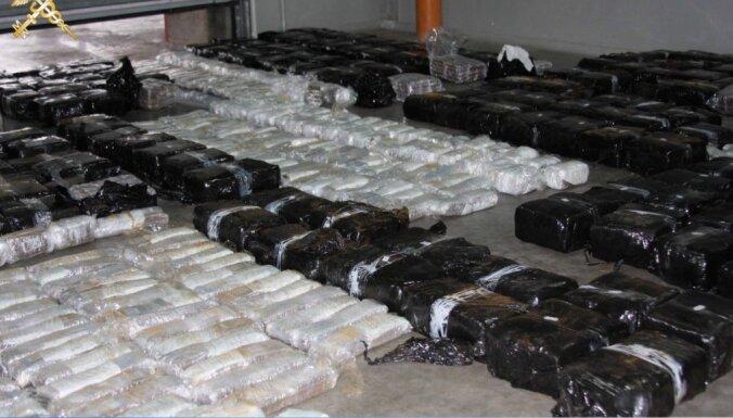 ФОТО. Из Латвии в Беларусь пытались провезти 668 кг гашиша