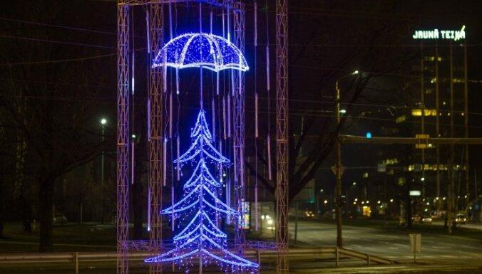 """5 декабря в Риге откроется фестиваль """"Путь рождественских елок"""" (+как это выглядело в прошлом году)"""