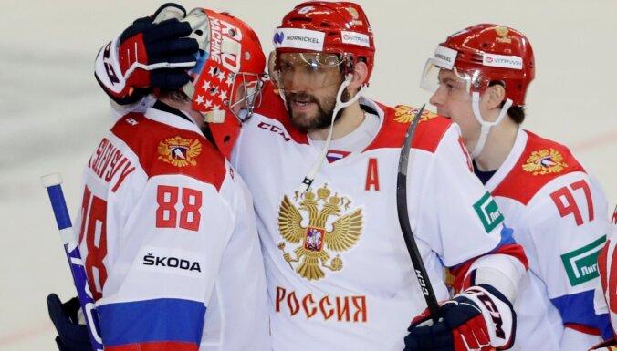 Krievijas hokejisti ar Ovečkinu un Kuzņecovu priekšgalā triumfē šīs sezonas Eirotūrē