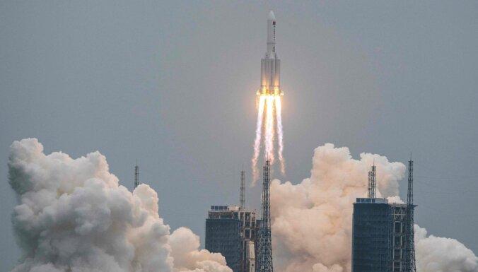 Ķīnas kosmosa raķetes atlūzas iekritušas Indijas okeānā