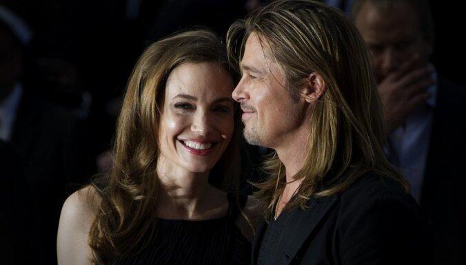 Джоли и Питт продали свадебные снимки за 5 миллионов