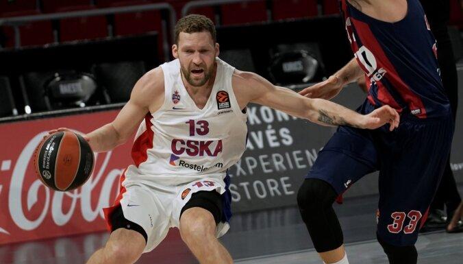 Strēlniekam četri punkti CSKA uzvarā Eirolīgas spēlē