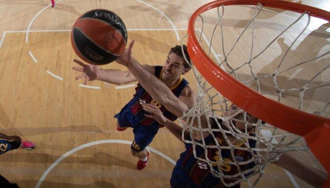 Gasols un Šmits 'noslāpē' 'Zeņit' uzbrukumu; 'Barcelona' iekļūst 'Final Four'