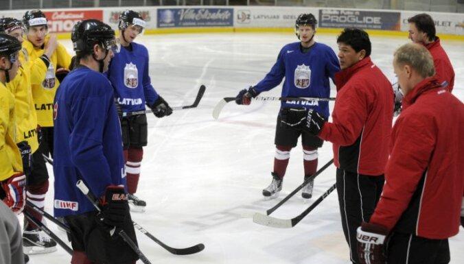 Latvijas hokeja izlase Nolana debijas mačā spēkojas ar Dāniju