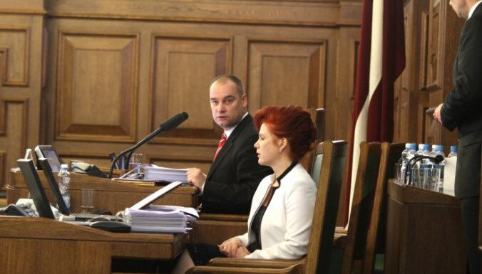 Saeimas priekšsēdētāja amatā ievēlēts Daudze