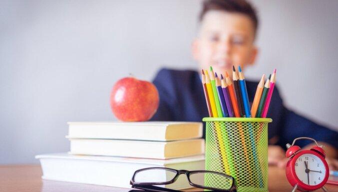 Aptauja: 88 procenti vecāku gaida skolas gaitu atsākšanos klātienē