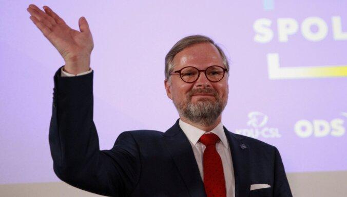 """Оппозиционный альянс """"Вместе"""" лидирует на парламентских выборах в Чехии"""
