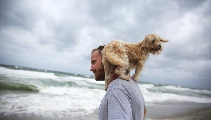Atlantijā izveidojas viesuļvētra 'Nikola'