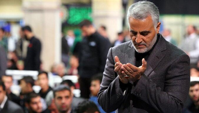 Aprakts. Kāpēc irāņi tik ļoti apraud Soleimani un sūta raķetes