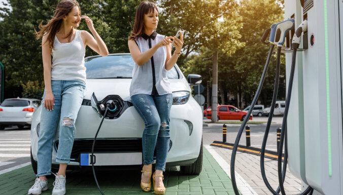 Латвия планирует выделять по 4 500 евро каждому покупателю электромобиля