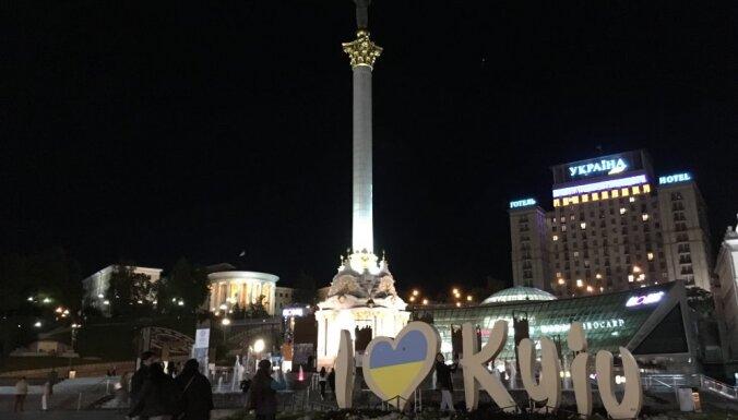 """Раскатается? Журналист Delfi испытал на себе первый """"поезд четырех столиц"""" Рига-Киев"""
