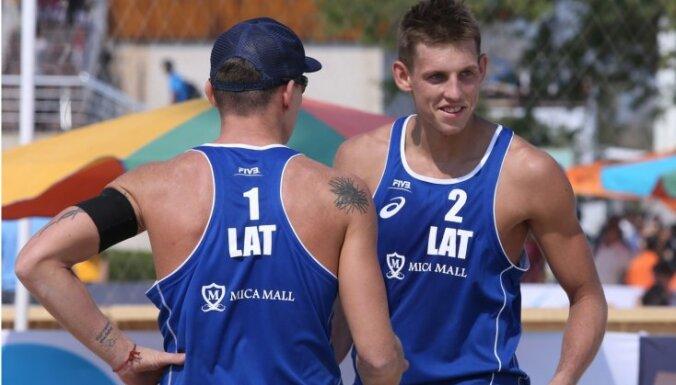 Латвийские бич-волейболисты начали сезон с выступления в Иране