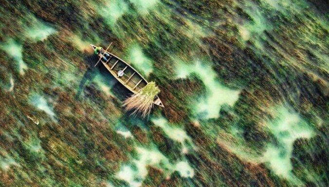 Dienas ceļojumu foto: Fascinējoša upe, kuras krāsas atgādina akvareli
