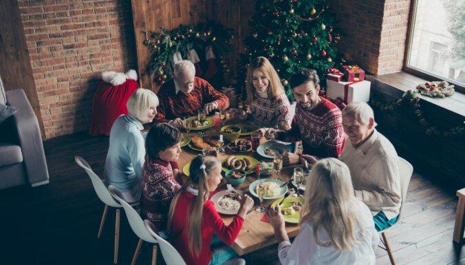 Dziesmu šovs un atpazīšana pēc smaržas: sešas idejas Ziemassvētku svinību aktivitātēm