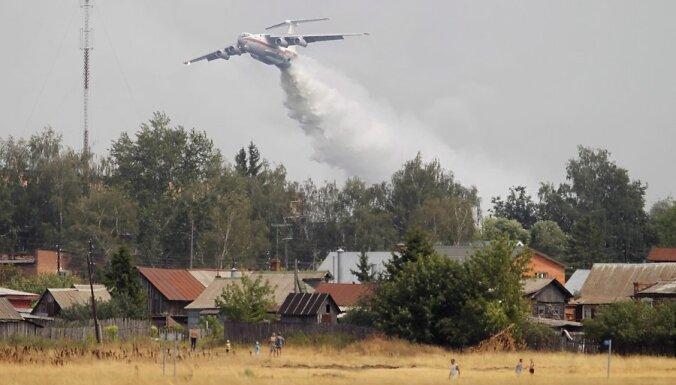 Krievijā atkal spēkā pieņemas mežu ugunsgrēki
