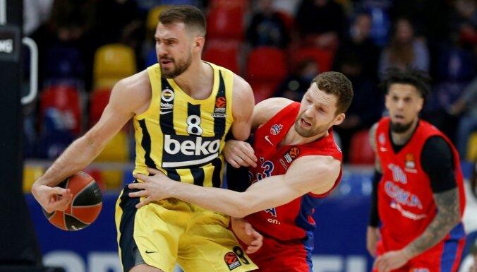 Strēlniekam astoņi punkti CSKA uzvarā Eirolīgas ceturtdaļfināla otrajā spēlē; pirmo panākumu svin arī 'Barcelona'