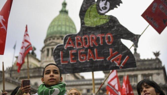 Katoļu baznīca Argentīnā ir gatava atteikties no valsts līdzekļiem