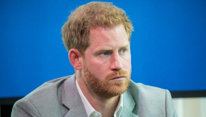 """""""Страдания и боль"""" принца Гарри. Внук королевы рассказал, почему увез семью из дворца"""
