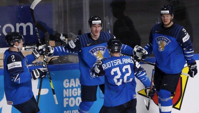 Somijas hokejisti spēlē disciplinēti un gūst piecus vārtus pret Norvēģiju