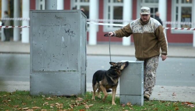 Iedzīvotāji mazāk bažīgi par terorisma draudiem Latvijai, secināts aptaujā