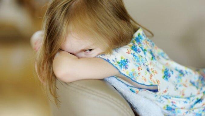 Bērnu sargi informēs par 'grūminga' riskiem