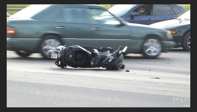 Avārijās cietuši trīs motobraucēji un velosipēdists