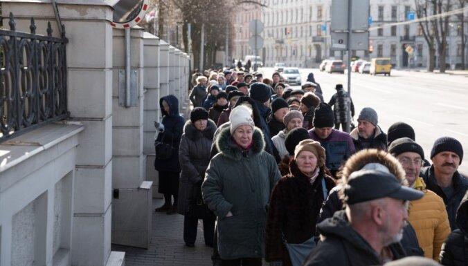 К 16.00 на президентских выборах в посольстве РФ проголосовали 14 000 человек