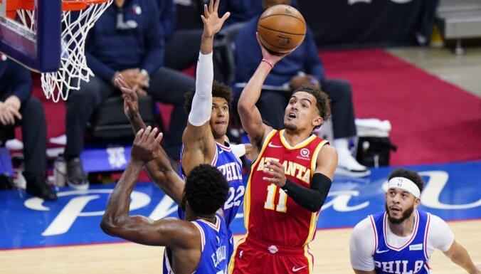'Hawks' paveic iespaidīgu atspēlēšanos; 'Clippers' uzvar bez Lenarda