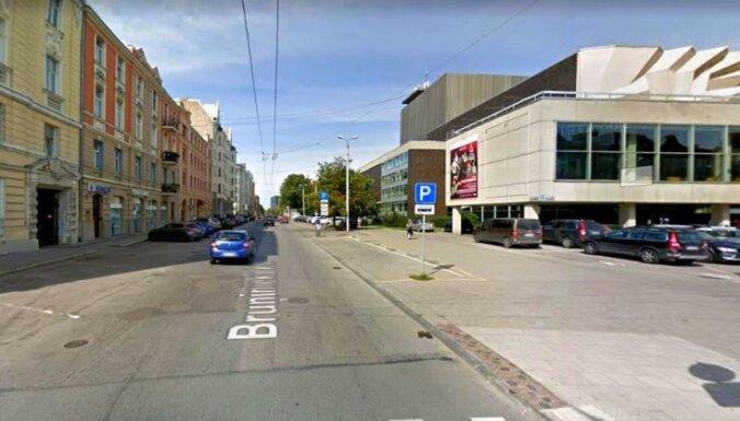 Uz diviem mēnešiem ierobežos satiksmi Bruņinieku ielā pie Dailes teātra