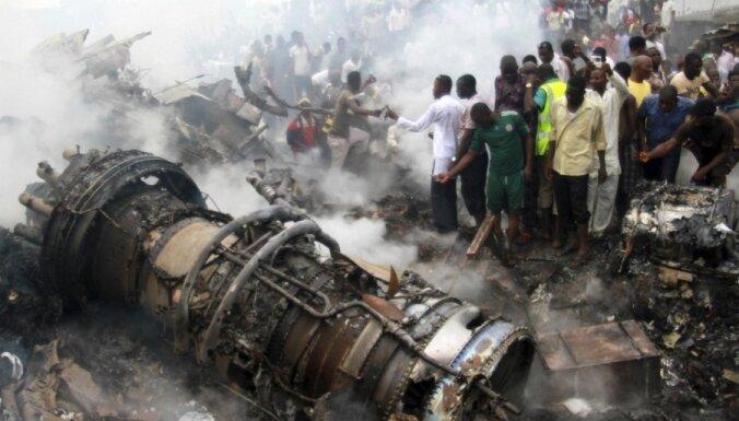 Крушение самолета в Нигерии: около 200 жертв, мародеры опередили спасателей