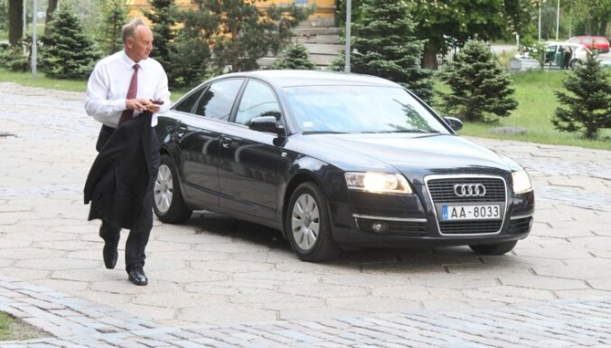 Берзиньш пожертвует президентскую зарплату школам
