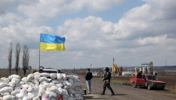 """Одесса: в блок-пост """"Евромайдана"""" бросили гранату, семь раненых"""