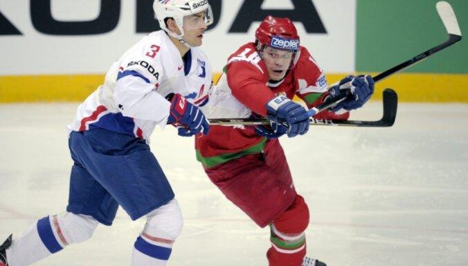 Francija pieveic Baltkrieviju un turpina cīņu par ceturtdaļfinālu