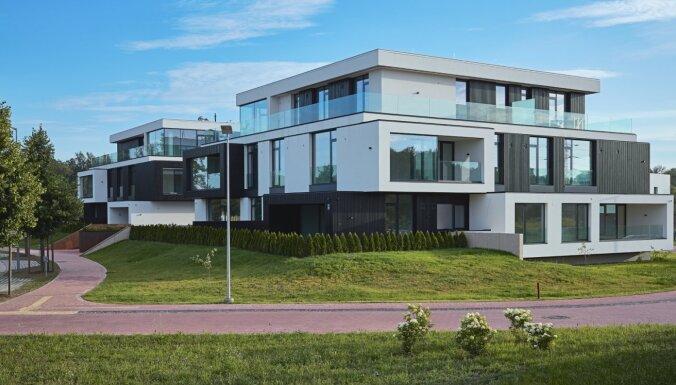 ФОТО: Первый дом жилого комплекса в Межапарке, цена места на автостоянке - 20 тысяч евро