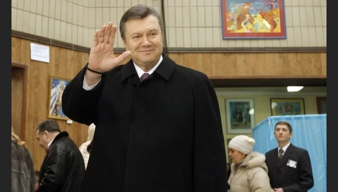 """Янукович проголосовал """"за лучшую жизнь"""""""