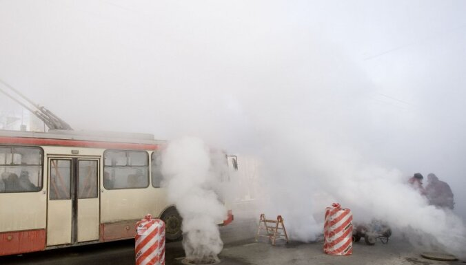 Fotoreportāža: siltumtrases avārija Viļņas centrā