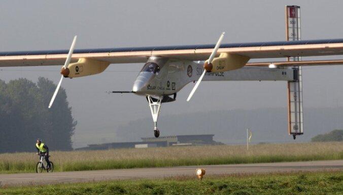 Самолет на солнечных батареях совершил рекордный перелет