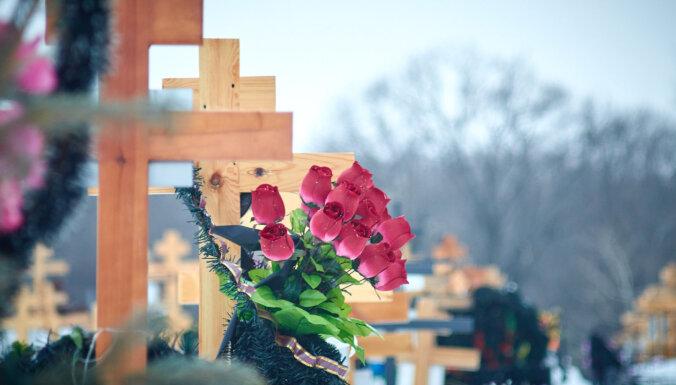ЦСУ: в Латвии за первые восемь недель года смертность выросла на 37,2%