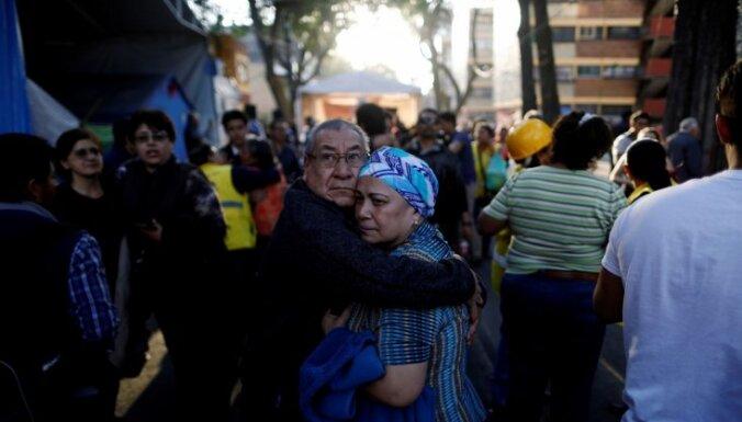 Вертолет с главой МВД и губернатором штата разбился в Мексике: 13 человек погибли