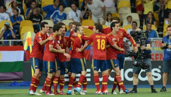 Испанцы выцарапали победу у итальянцев в серии пенальти