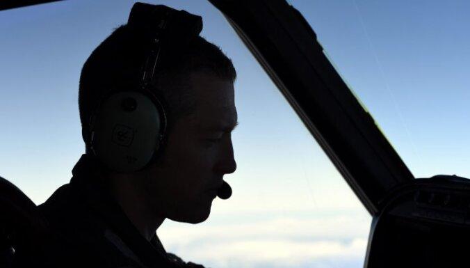 Мальчик умер в полете после отказа пилота развернуть самолет