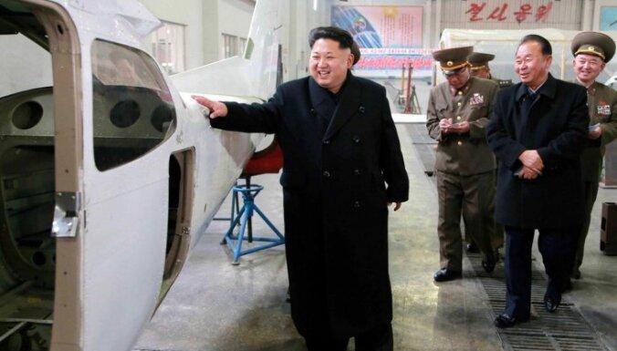Ziemeļkoreja klusē par Kima Čenuna veselības stāvokli