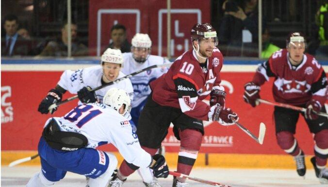 ФОТО: Голы Индрашиса и Даугавиньша приносят Латвии волевую победу над Францией