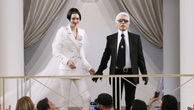 ФОТО: Показ Chanel прошел в декорациях роскошного казино и поразил своим шиком