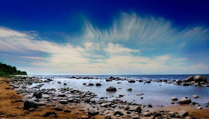 Pārgājiens pa Vidzemes akmeņaino jūrmalu, kur 20 kilometrus vērot fantastiskus skatus