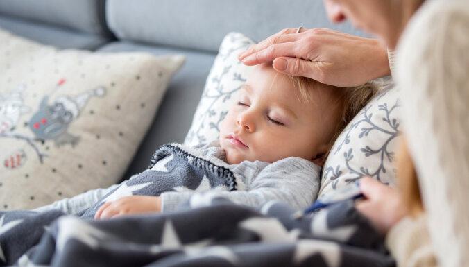 Šosezon vairāk nekā parasti ar gripu slimo bērni; janvāra 2. nedēļā tās intensitāte palielinājusies