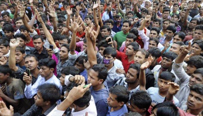 "Папа римский осудил ""рабский труд"" на фабриках Бангладеш"