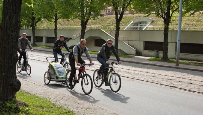 Велодорожки заменят 300 парковочных мест в центре Риги
