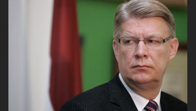 Zatlers prokuratūrai prasa vērtēt datu noplūdi no VID EDS