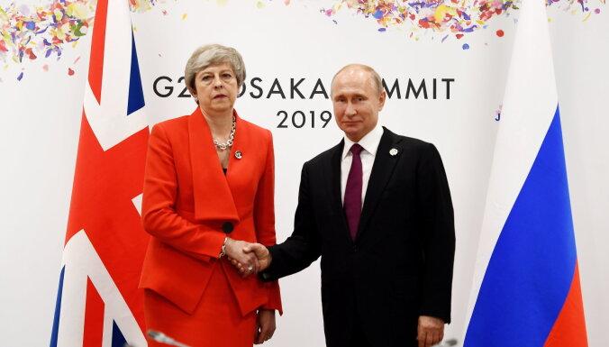 Мэй потребовала от Путина прекратить дестабилизирующую деятельность